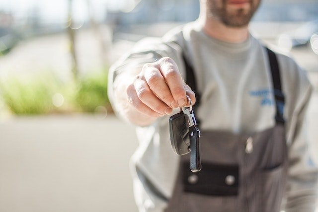 Rent out your car to earn money